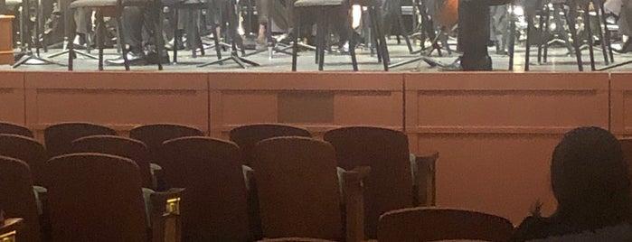 Gaillard Municipal Auditorium is one of Do: Charleston ☑️.