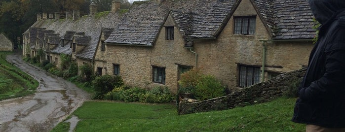 Cotswolds is one of Exploring UK.