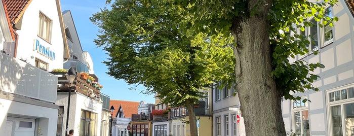 Alexandrinenstraße is one of Rostock & Warnemünde🇩🇪.