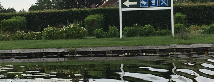 Hotel Restaurant De Harmonie is one of Giethoorn.