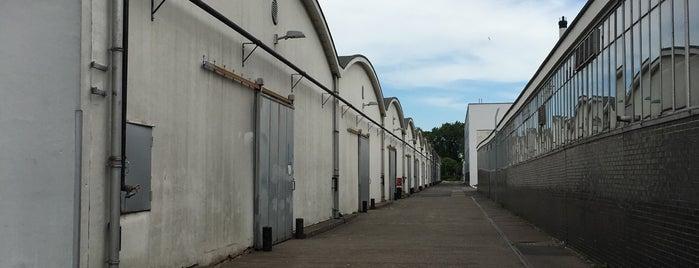 Van Nelle Fabriek is one of Locais curtidos por Carl.