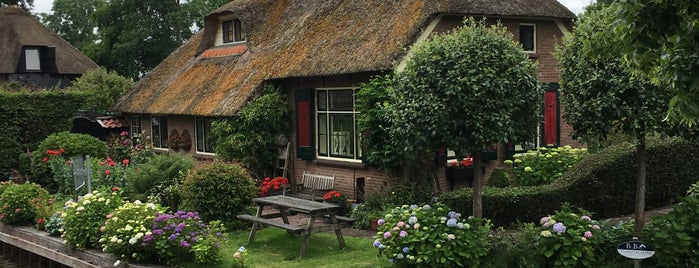 Plompeblad is one of Giethoorn.