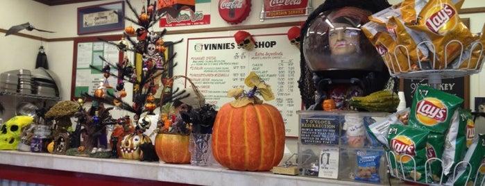 Vinnie's Sub Shop is one of Lieux qui ont plu à Mike.