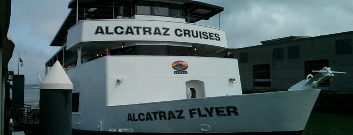 Alcatraz Cruises is one of Lugares favoritos de Chris.