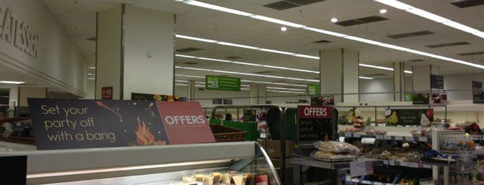 Waitrose & Partners is one of Orte, die Anastasia gefallen.