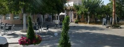 Hotel Mitra ** is one of Donde Comer en Cabra.