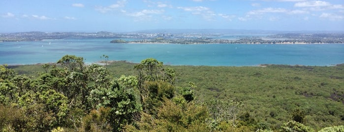 Rangitoto Island Summit is one of T. 님이 좋아한 장소.