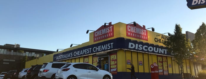 Chemist Warehouse is one of Locais curtidos por Sanjeev.