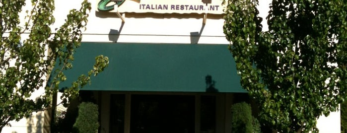 Olive Garden is one of Tempat yang Disukai David.