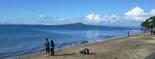 Mairangi Bay Beach is one of Auckland.