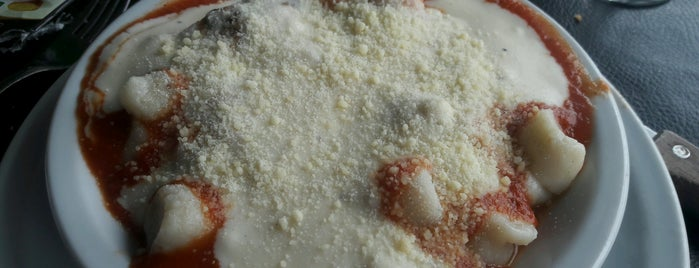 Longobucco: Pizza, Birra e Pasta is one of Lugares que conozco.