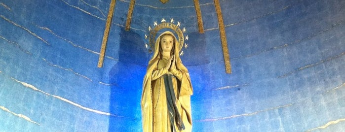 Parroquia Nuestra Señora de Lourdes is one of Alfonsoさんのお気に入りスポット.