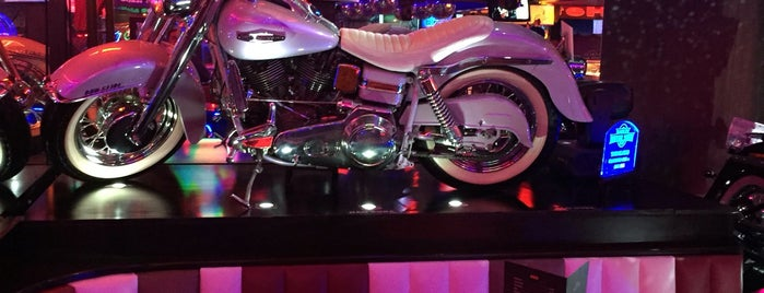Harley Motor Show is one of Fernandoさんのお気に入りスポット.