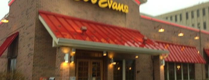 Bob Evans Restaurant is one of Lieux qui ont plu à Nick.
