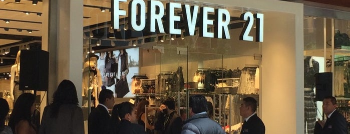 Forever21 is one of Sergio M. 🇲🇽🇧🇷🇱🇷 님이 좋아한 장소.