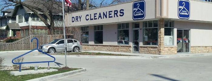 Dixie's Campus Cleaners is one of Evan[Bu] Des Moines Hot Spots!.