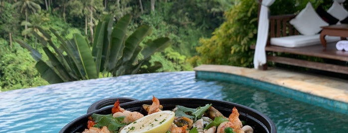 Cascades Restaurant is one of Bali.