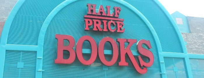 Half Price Books is one of Lugares favoritos de Rob.