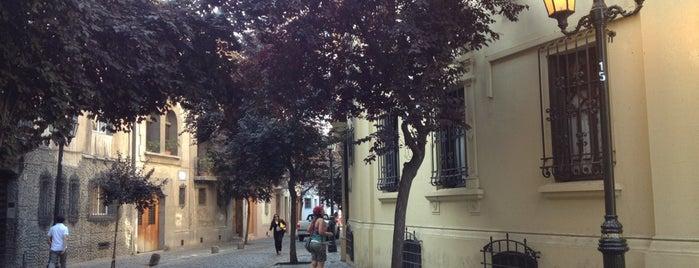 Paris & Londres is one of Santiago / 2013.