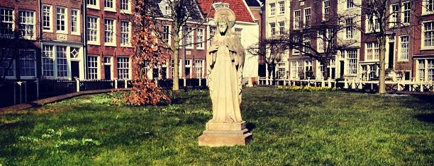 Begijnhof is one of Back to Netherlands ♥.