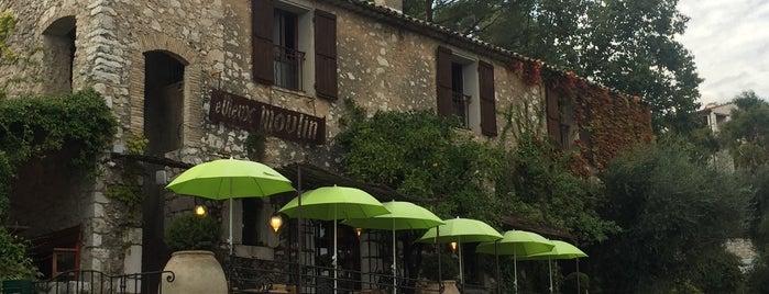 Le Vieux Moulin is one of Orte, die Stan gefallen.