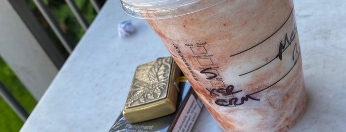 Starbucks is one of herhangi bir yer.