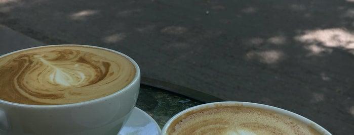 CaféArt is one of Locais curtidos por T..
