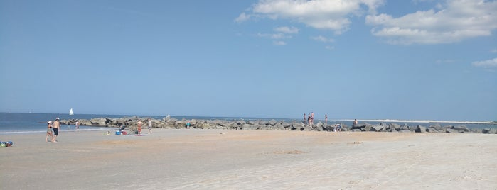 Vilano Beach is one of Fenrari's Liked Places.