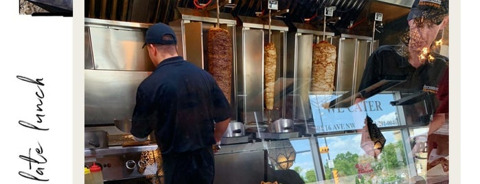 Jerusalem Shawarma is one of Locais curtidos por Mike.