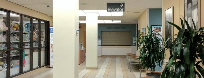 Kaiser Permanente Medical Center is one of Lugares favoritos de Alden.