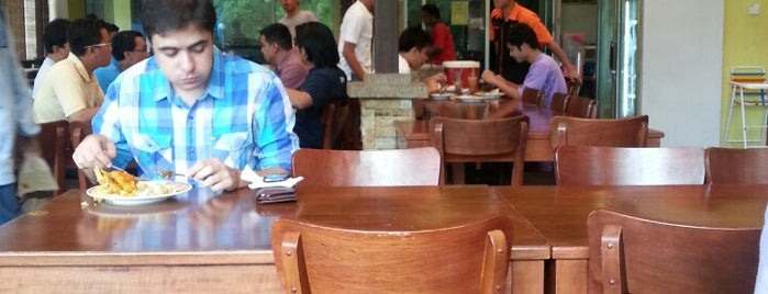Pak Lah Cafe is one of Tempat yang Disukai Shahir.