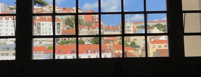 Carpintarias São Lázaro is one of Orte, die Susana gefallen.