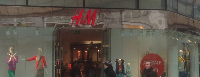 H&M is one of Lieux qui ont plu à Will.
