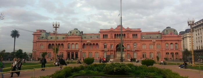 Plaza de Mayo is one of Mis Lugares (Buenos Aires).
