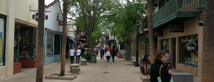 Downtown St. Augustine is one of Andrewさんの保存済みスポット.