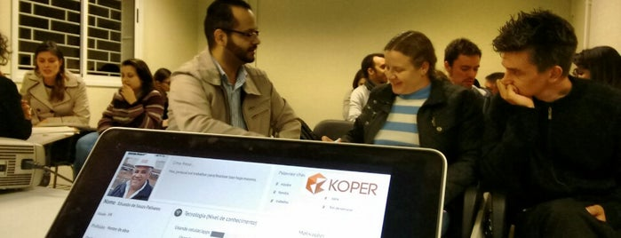SmartMob Coworking is one of Espaços de coworking.