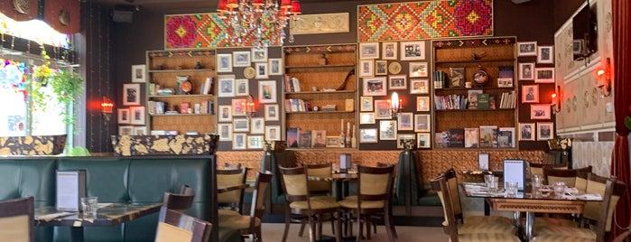 Tryzub Ukrainian Kitchen is one of Joey'in Kaydettiği Mekanlar.