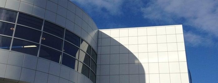 Crocker Art Museum is one of Bank of America Free Museum Weekend.