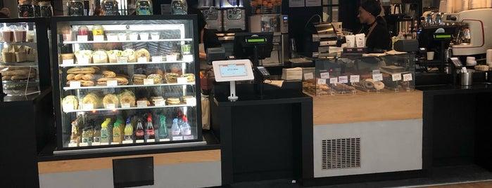 Super Wild Coffee is one of Lugares favoritos de Dustin.