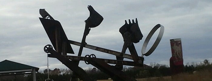 Franconia Sculpture Park is one of Lugares favoritos de Huy.
