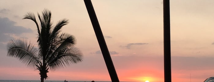 sunset in kona is one of Orte, die Maggie gefallen.