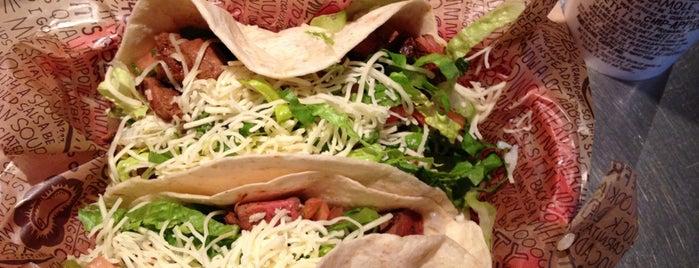 Chipotle Mexican Grill is one of Lugares favoritos de Hannah.