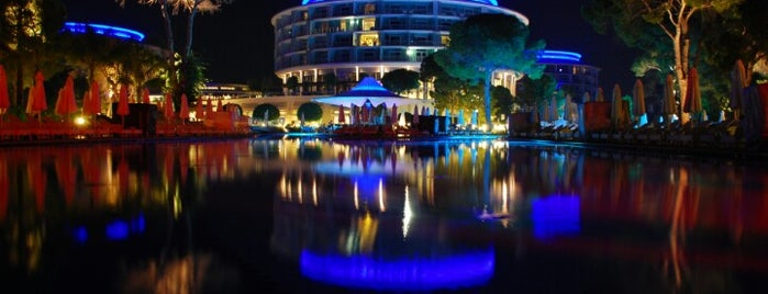 Calista Luxury Resort is one of Tempat yang Disukai Engin.