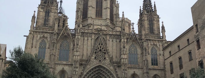 Catedral De Barcelona is one of Lugares guardados de Queen.