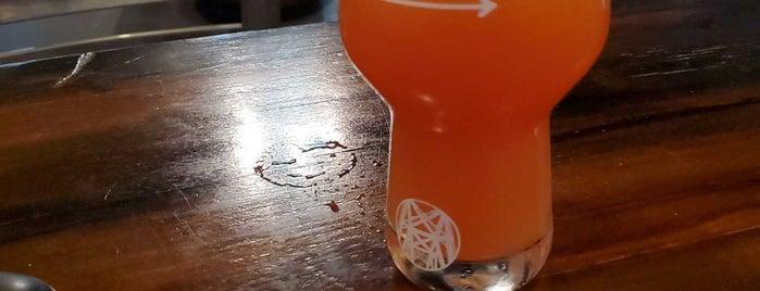Mile Wide Beer Co. is one of Lugares favoritos de Garrett.