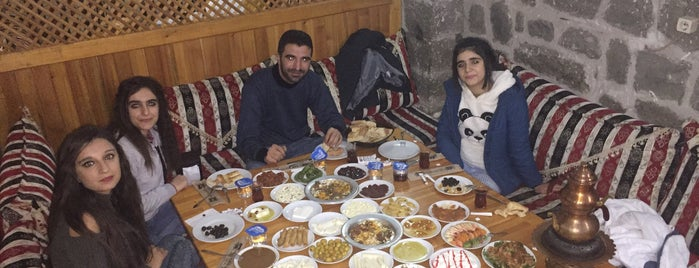 Han Kapısı Kahvaltı ve Yemek Sarayı is one of Diyarbakır Liste.
