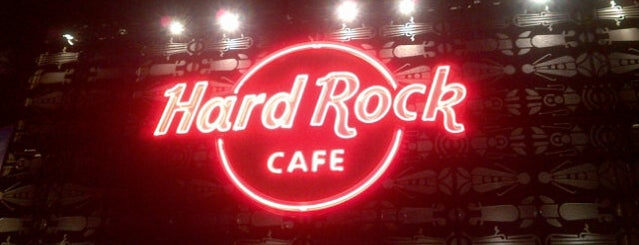 Hard Rock Café Medellín is one of Edu : понравившиеся места.
