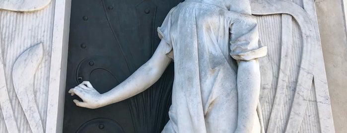Cementerio de la Recoleta is one of Brett : понравившиеся места.