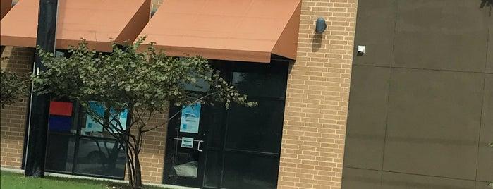 The UPS Store is one of Tempat yang Disukai Fabiola.