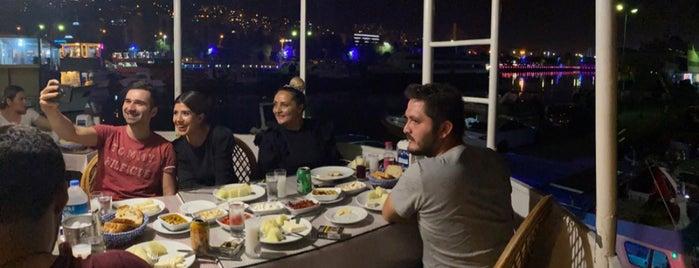 Izmit Balıkçı Tekneleri is one of 'Özlem : понравившиеся места.